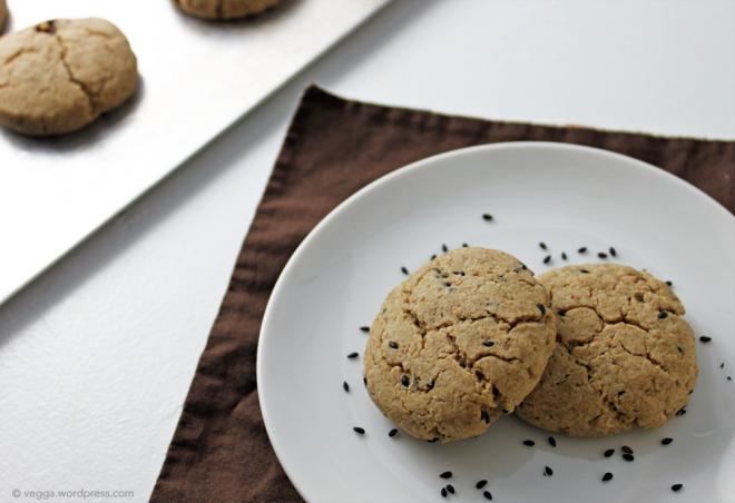 Tahini-Maple Cookies