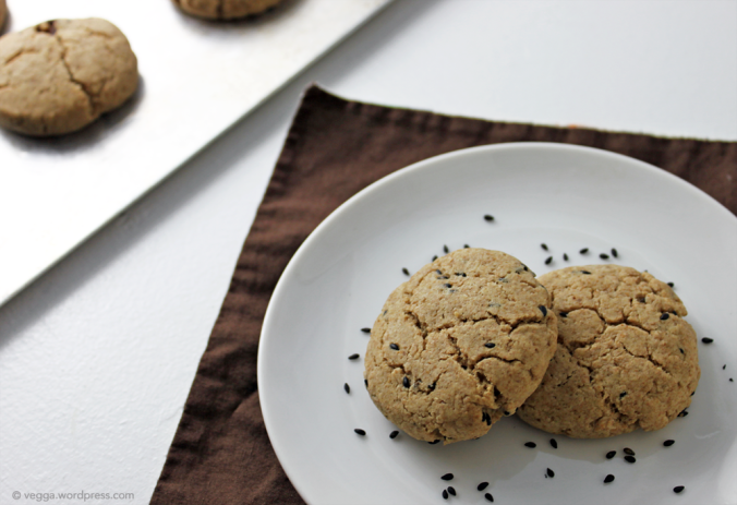 Tahini-Maple Cookies