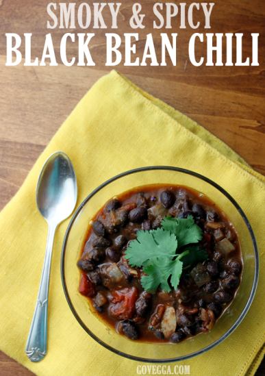 Smoky, Spicy Vegan Black Bean Chili // govegga.com