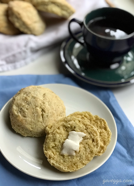 Vegan chamomile-lemon scones // govegga.com