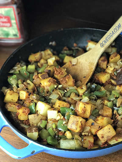 Spicy vegan potato-chorizo hash