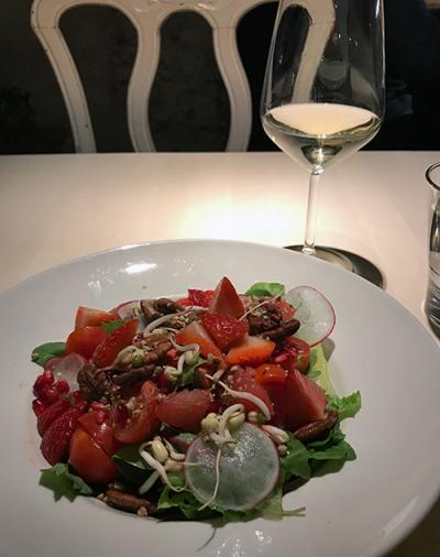 Vegan Restoran V // salad