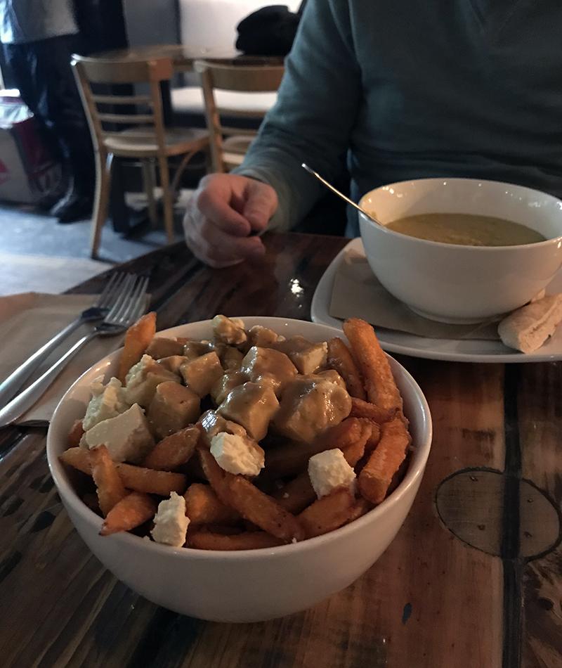 Vegan poutine at Le Panthère Verte in Montréal